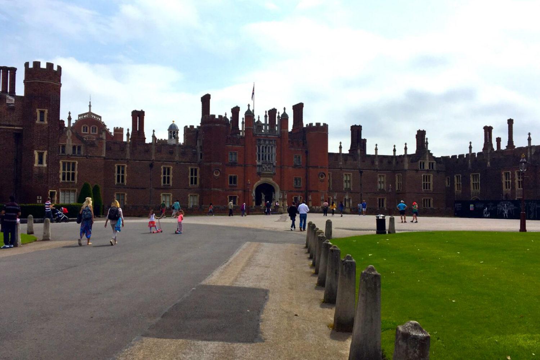hampton court palace henry viii entrance private tour guide