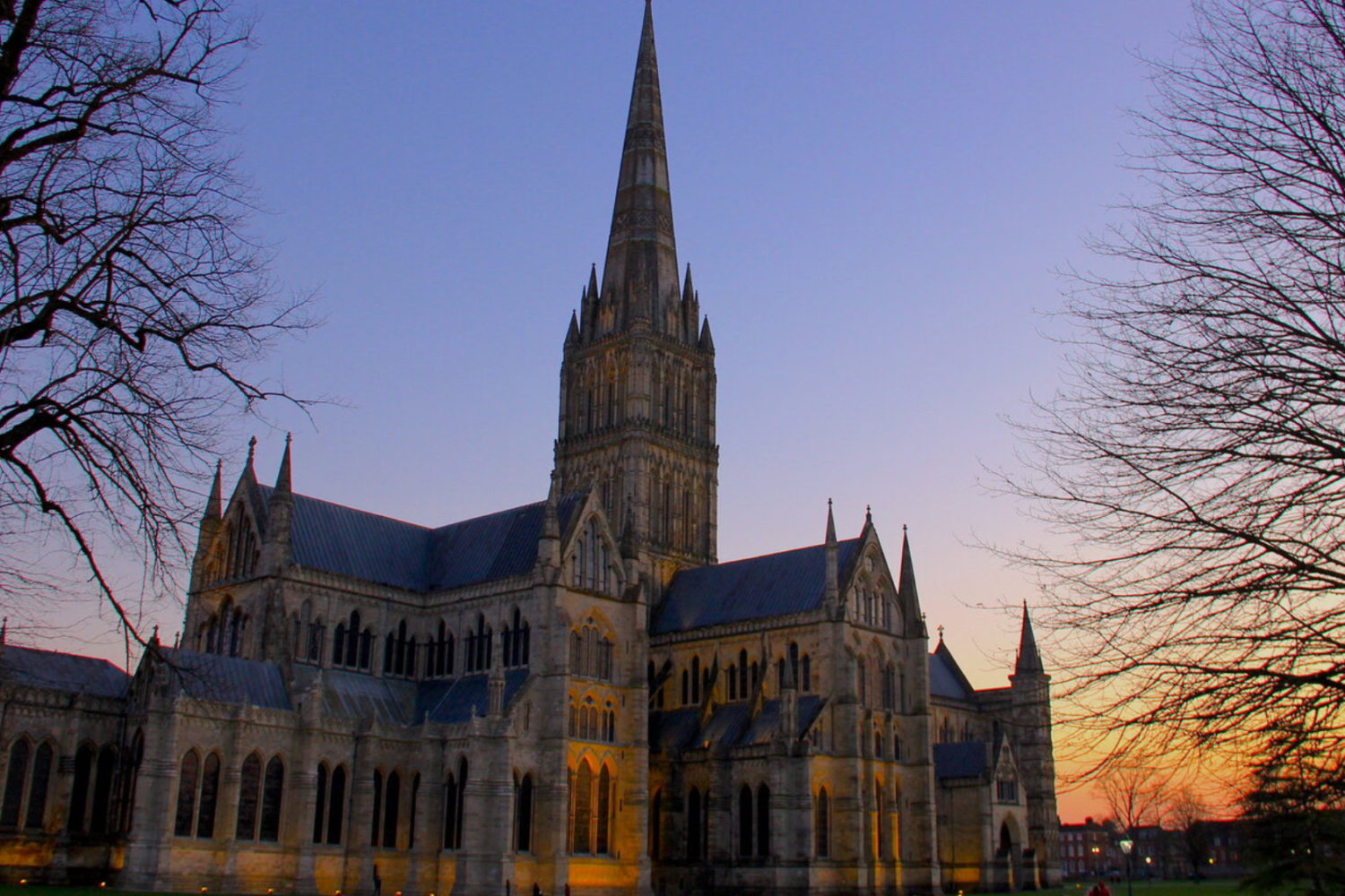 salisbury cathedral private tour guide from london