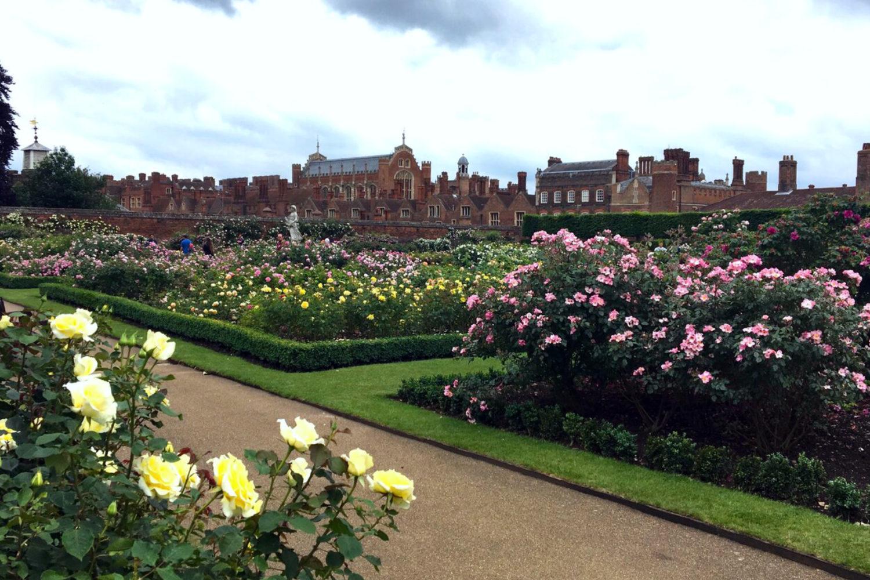 hampton court gardens private tourist guide