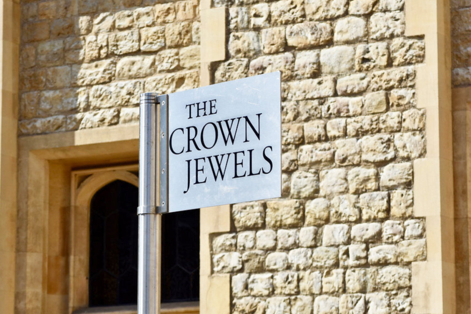 tower of london private tour crown jewels guide