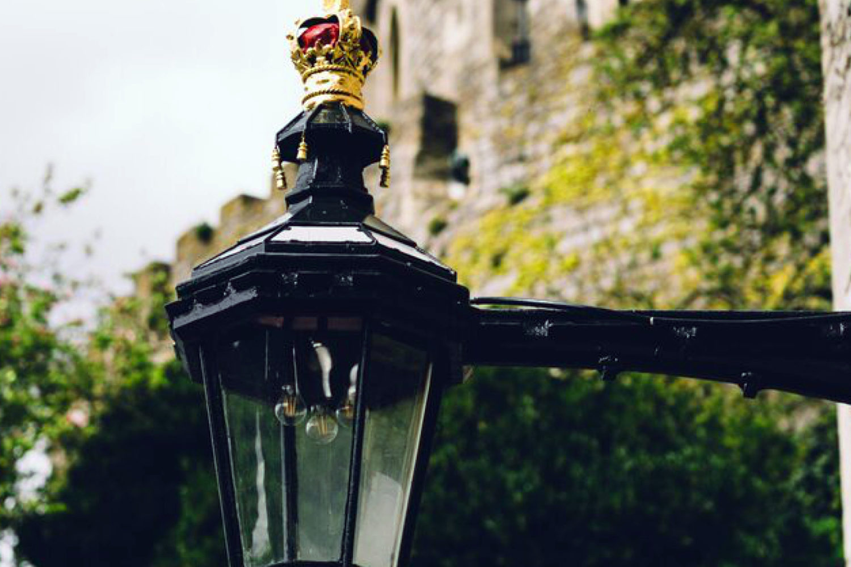 windsor castle private tour guide lamp