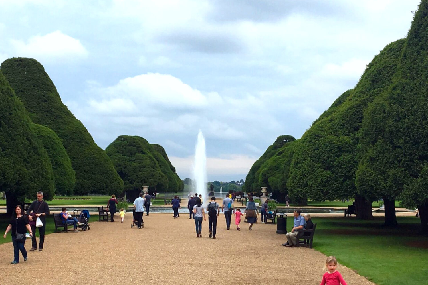 hampton court palace gardens private guided tour